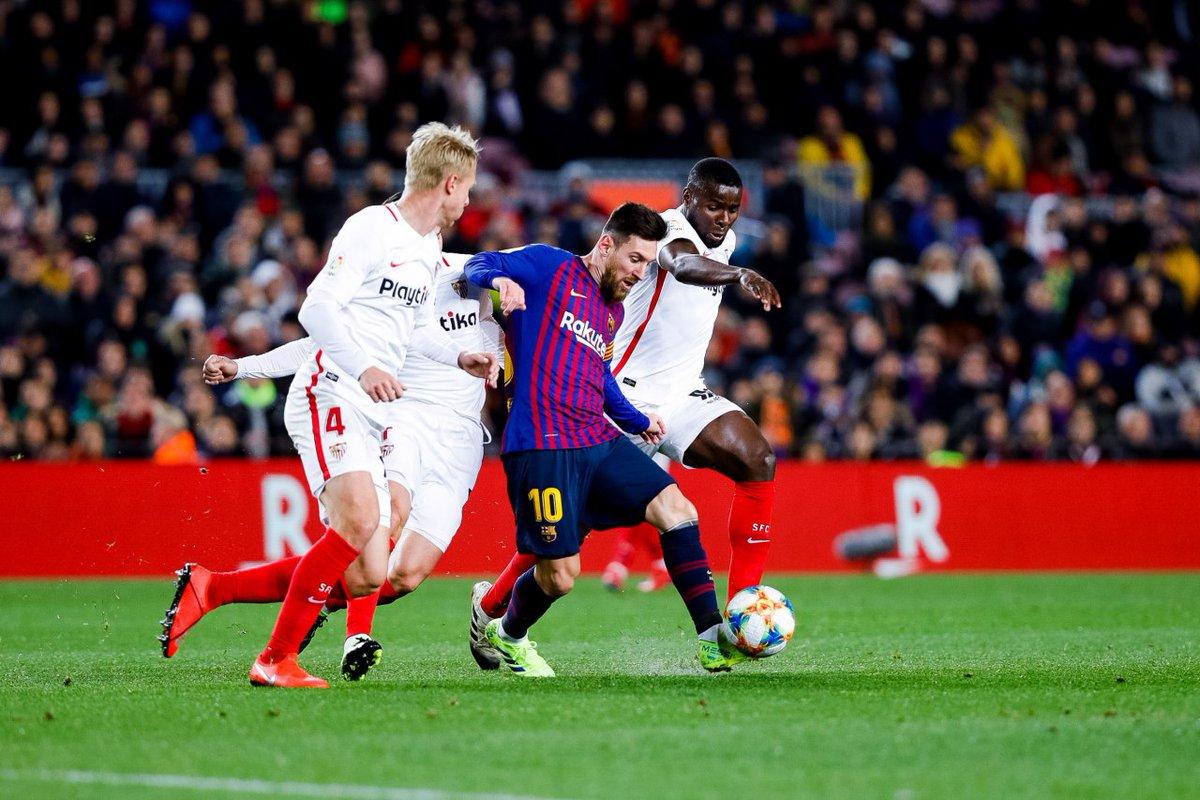 Lionel Messi tijdens de bekerwedstrijd van FC Barcelona tegen Sevilla