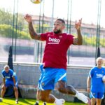 Memphis Depay training FC Barcelona